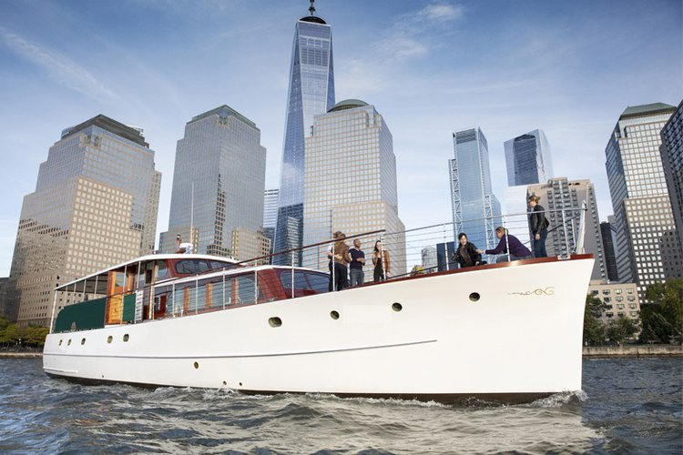 Enjoy luxury and comfort on this New York motor boat rental