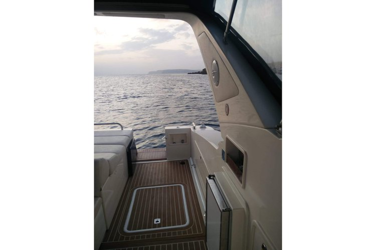 Motor yacht boat for rent in Mellieha