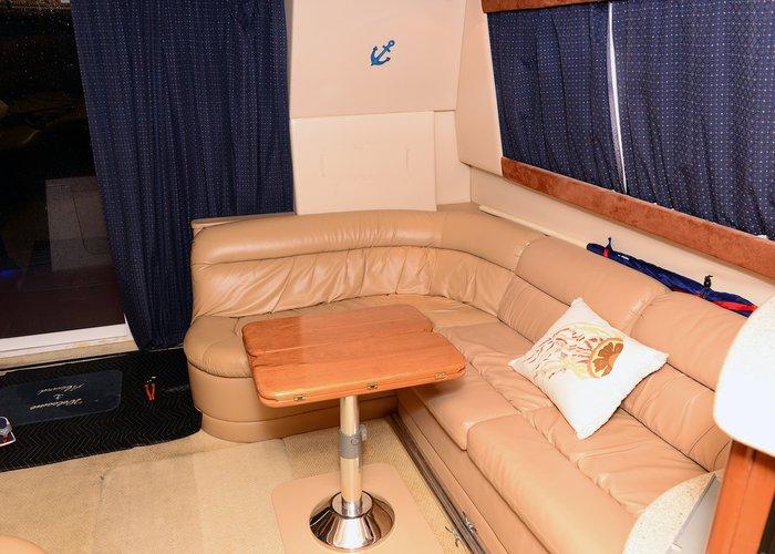 Cruiser boat rental in Lummus Park, Miami River,