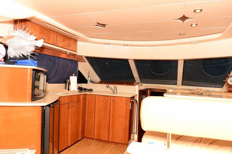 Cruiser boat for rent in Miami