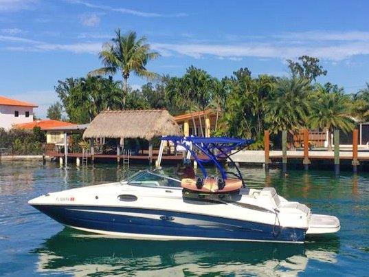 Bow rider boat rental in 15000 Collins avenue, FL