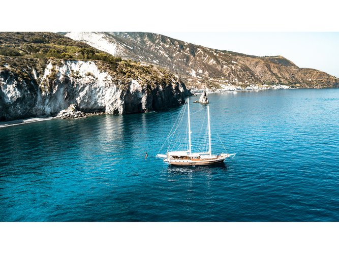 Beautiful  Gulet- Lady Christa ideal for sailing and fun in the sun!