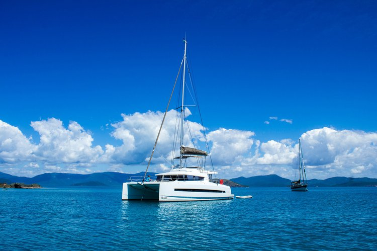 Charter Bali 4.3 and Enjoy the Whitsundays Winds