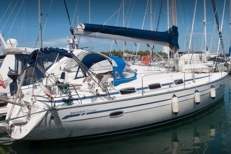 This sailboat charter is perfect to enjoy Punta Ala