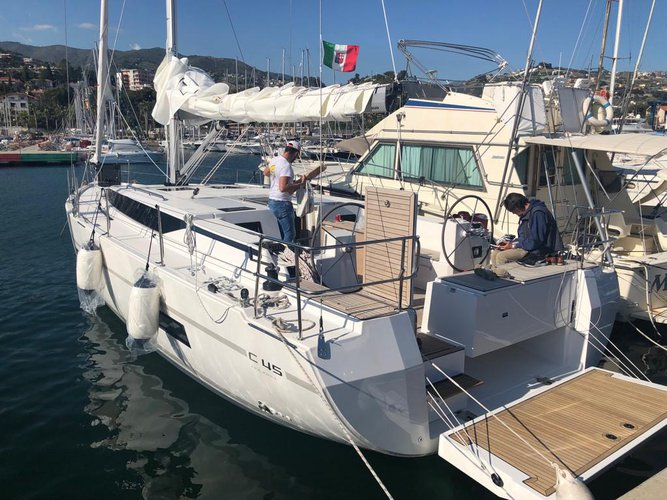 Jump aboard this beautiful Bavaria Yachtbau Bavaria C45