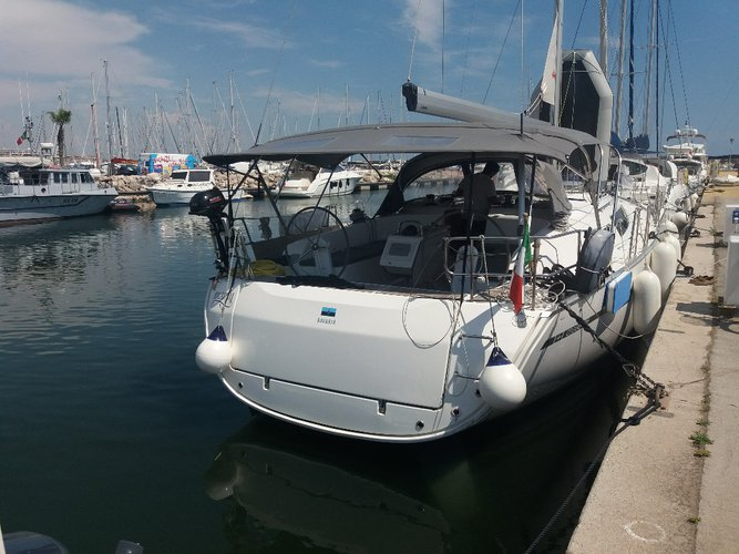 Beautiful Bavaria Yachtbau Bavaria 46 ideal for sailing and fun in the sun!