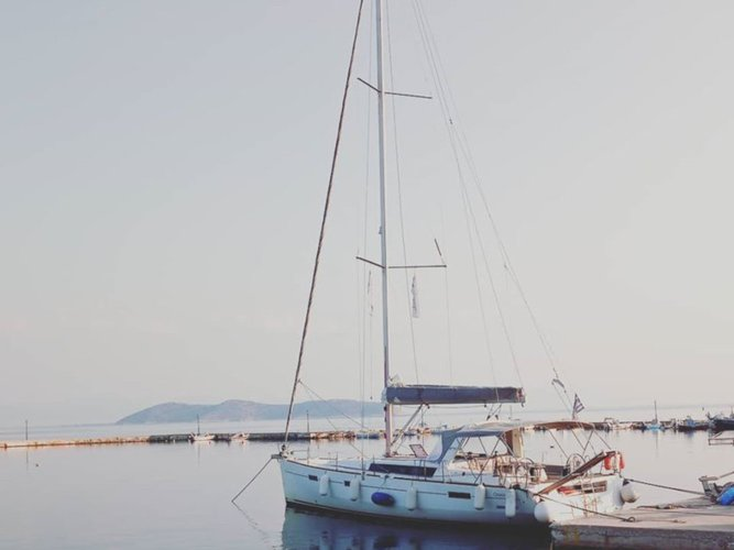 Enjoy luxury and comfort on this Thasos sailboat charter