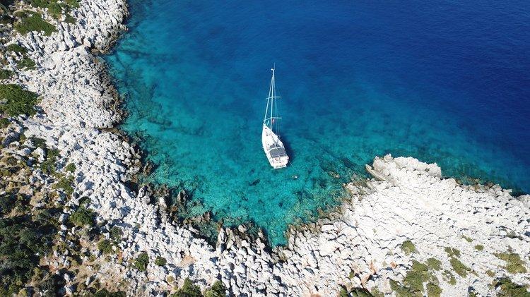 Cruiser boat rental in Kas Marina, Turkey