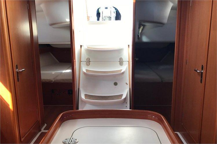 Beneteau boat for rent in Alimos