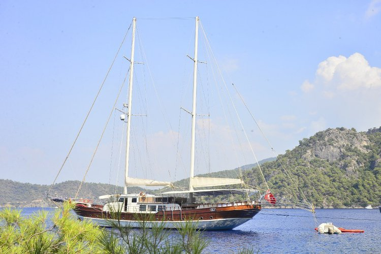 Cruise in style on this amazing sail boat for rent in Bodrum