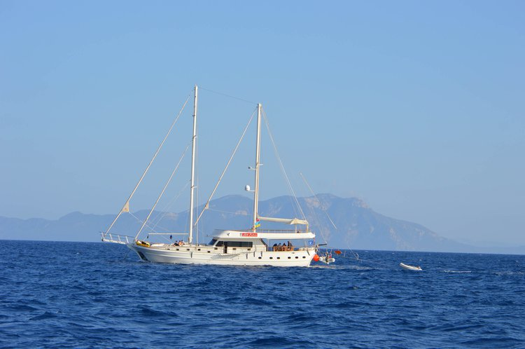 Get onboard this perfect sail boat to enjoy Turkey in style
