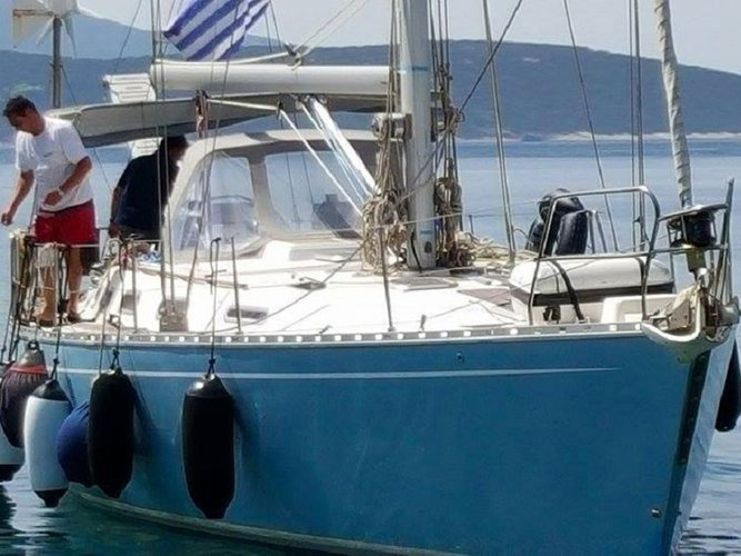 Charter this amazing sailboat in Chalcis