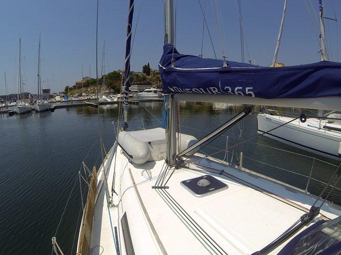 35.0 feet Dufour Yachts in great shape