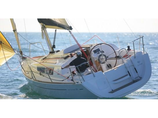 This sailboat charter is perfect to enjoy Izola