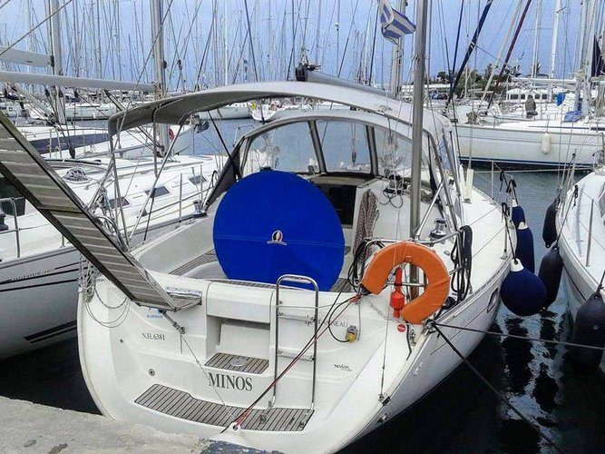 Take this Jeanneau Sun Odyssey 37.1 for a spin!