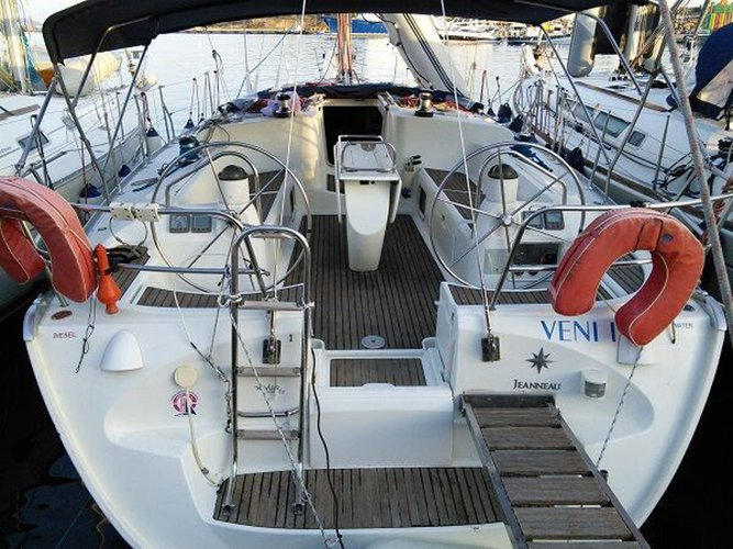 Enjoy luxury and comfort on this Jeanneau Sun Odyssey 43  in Lavrion