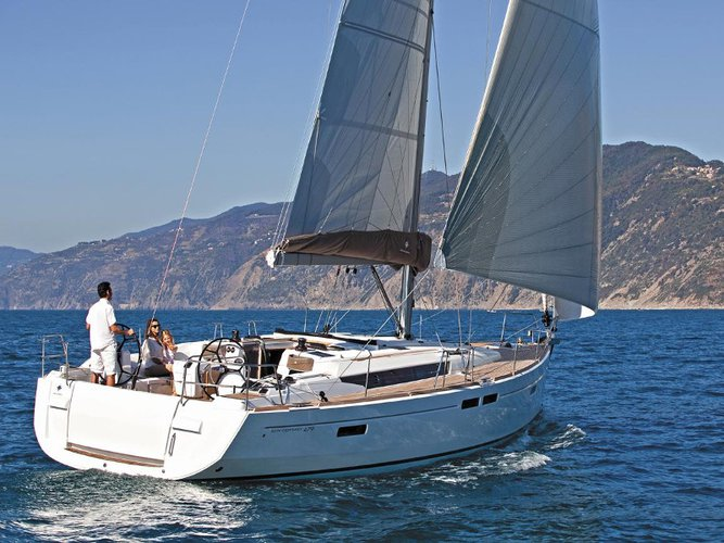 Sail the beautiful waters of Mykonos on this cozy Jeanneau Sun Odyssey 479