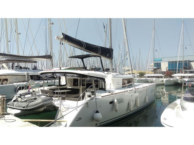 Enjoy luxury and comfort on this Lagoon Lagoon 450  F in Dubrovnik