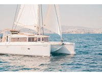Charter this amazing Lagoon Lagoon 421 in Athens, GR