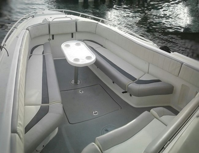 Center console boat for rent in Cartagena
