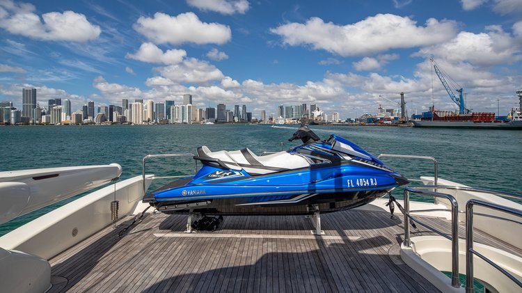 Boating is fun with a Azimut in Miami