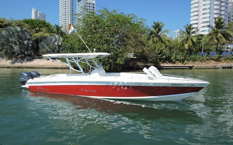 Explore Colombia on this comfortable motor boat for rent