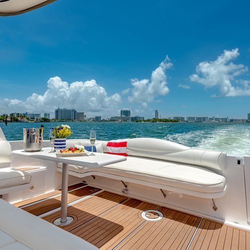 Bow rider boat rental in Miami, FL