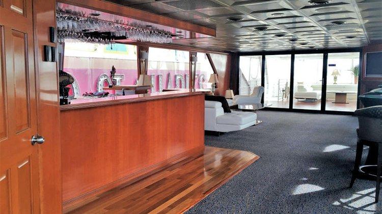 Motor yacht boat rental in Hoboken, NJ