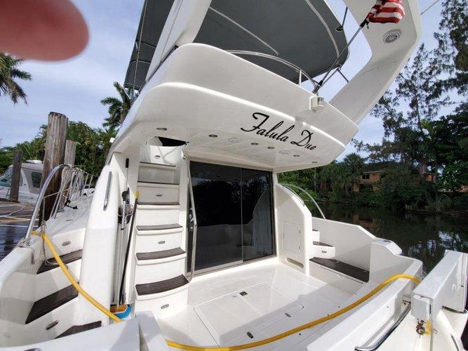 Boat rental in Hallandale Beach, FL