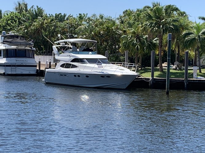 This 50.0' DYNACRAFT cand take up to 12 passengers around Hallandale Beach
