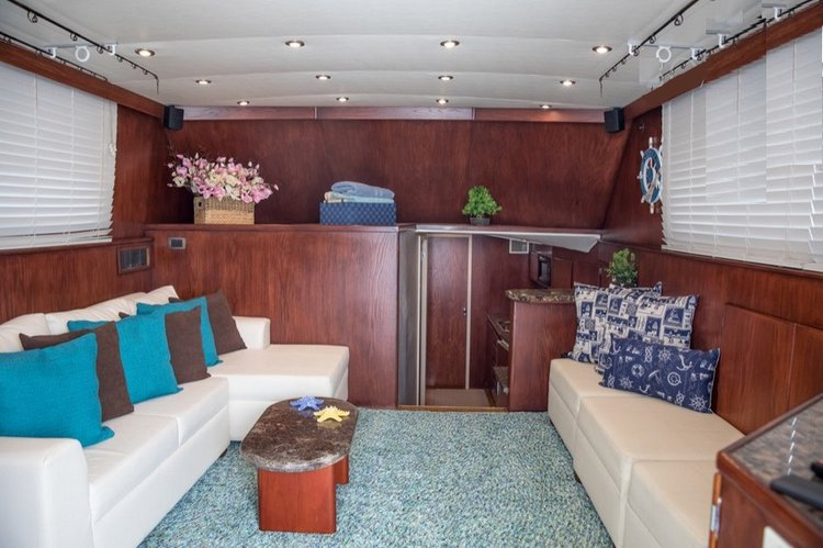 Boating is fun with a Cuddy cabin in Cartagena