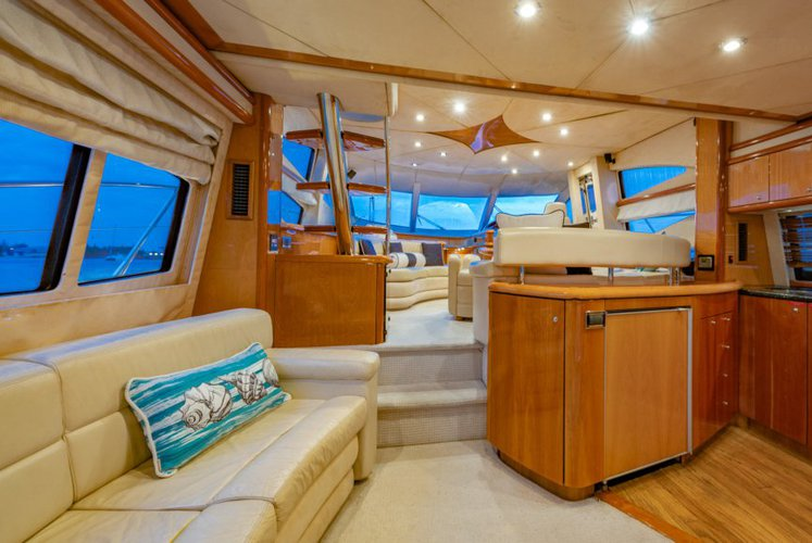 Discover Miami Beach surroundings on this Manhattan Sunseeker boat