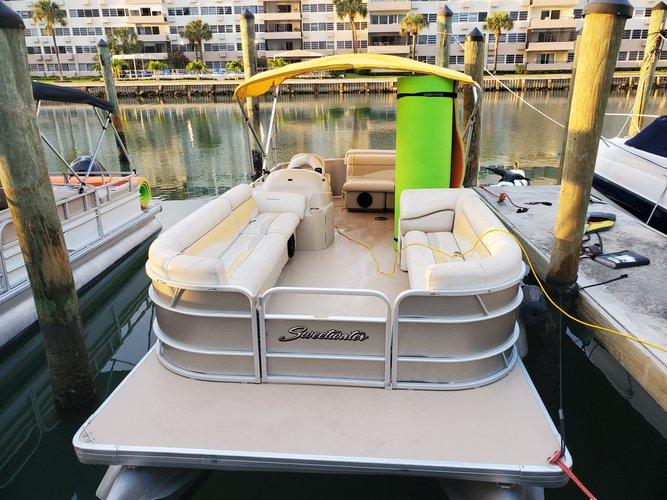 24.0 feet Suntraker Marine in great shape
