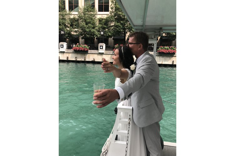 Discover Chicago surroundings on this Trident35 Trident boat