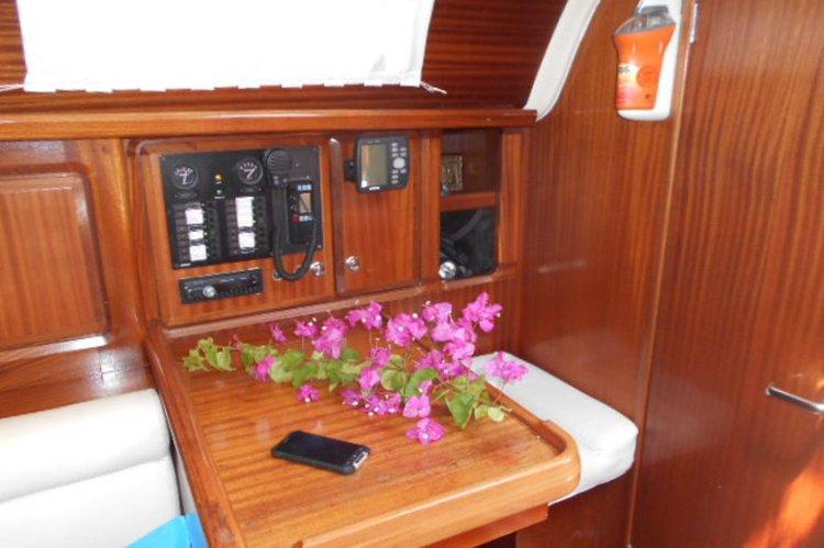Cruiser boat rental in Argostoli, Greece