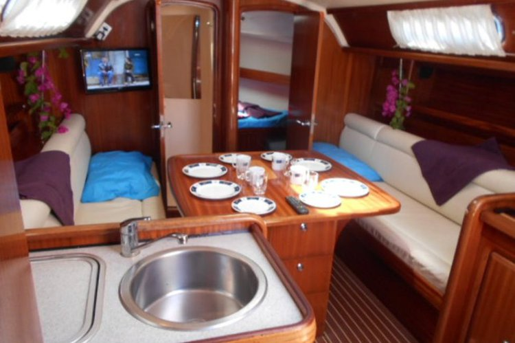 Boating is fun with a Bavaria in Argostoli
