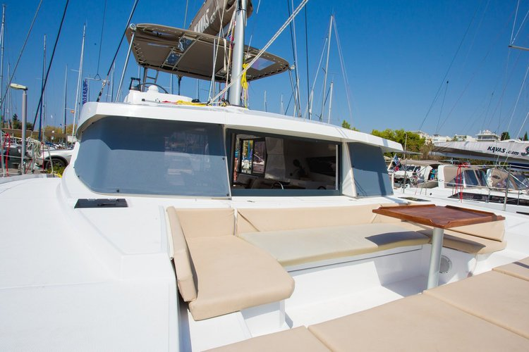This 39.0' Catana cand take up to 8 passengers around Saronic Gulf