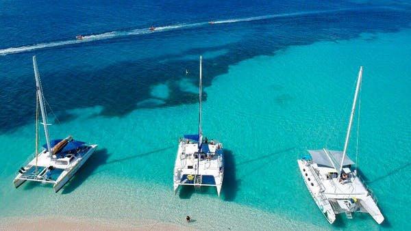 Discover Fajardo surroundings on this Custom Custom boat