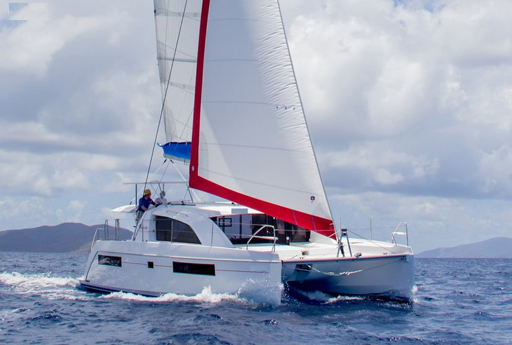 Discover Antigua, surroundings on this 404 Custom boat