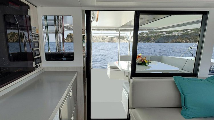 This 45.0' Custom cand take up to 8 passengers around Gros Islet