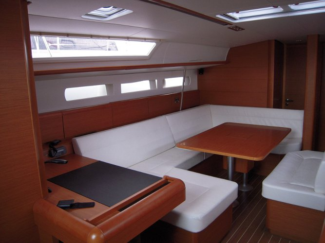 This 50.0' Sunsail cand take up to 8 passengers around Gros Islet