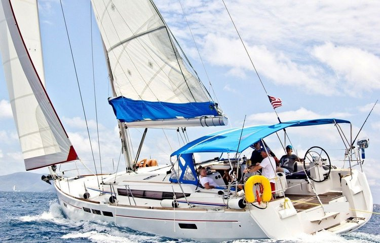 Beautiful sail boat for rent, ideal for fun in St. Lucia