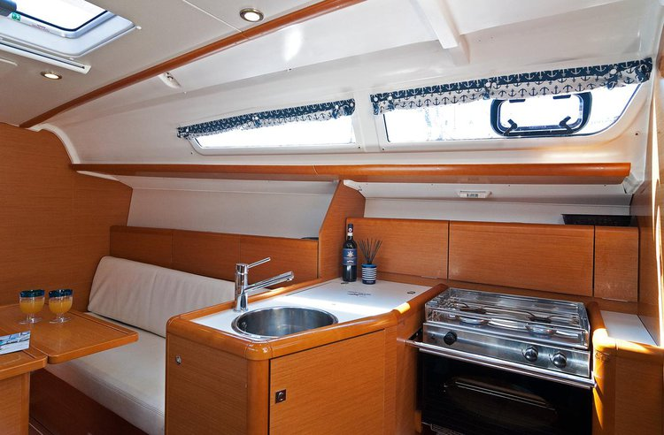Boat for rent Jeanneau 32.0 feet in Marina Split - ACI , Croatia