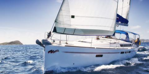 This 51.0' Jeanneau cand take up to 11 passengers around Marigot