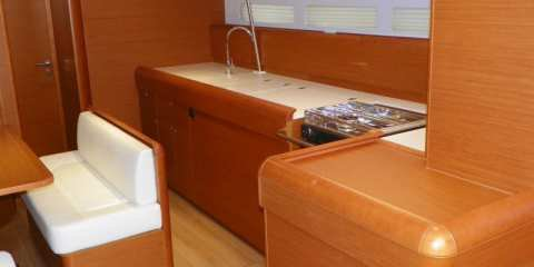 Jeanneau boat for rent in Marigot