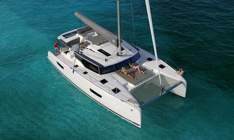Enjoy sailing in Belize onboard this wonderful sailing catamaran