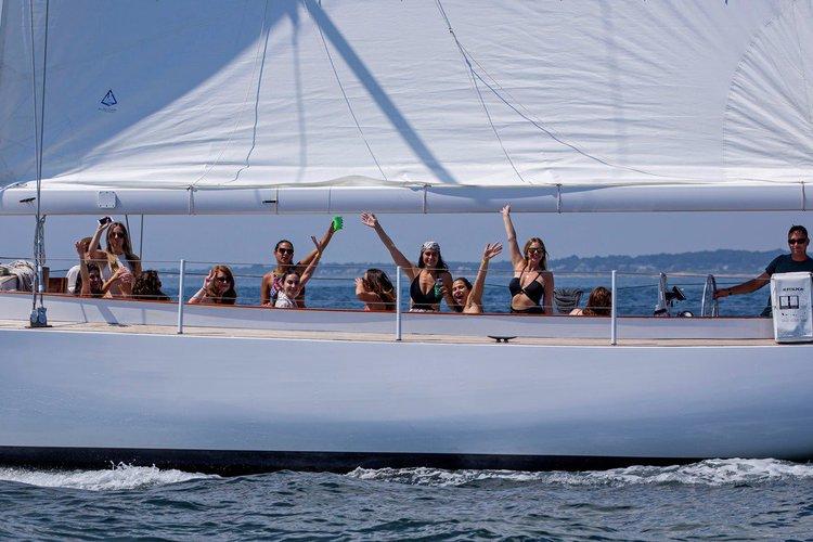 Sloop boat for rent in Newport