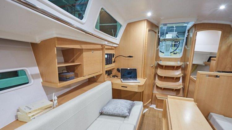 Discover Sardinia surroundings on this 319 Sun Odyssey boat