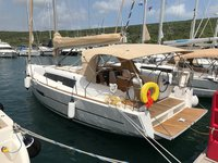 Beautiful Dufour Yachts Dufour 382 GL ideal for sailing and fun in the sun!