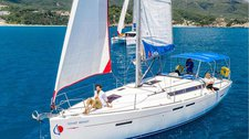 This sail boat is perfect to enjoy Lefkas, Greece